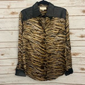 Cache Animal Print 100% Silk 100% Leather Blouse